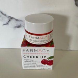✨CLOSET CLEAR OUT ✨ FARMACY Eye Cream